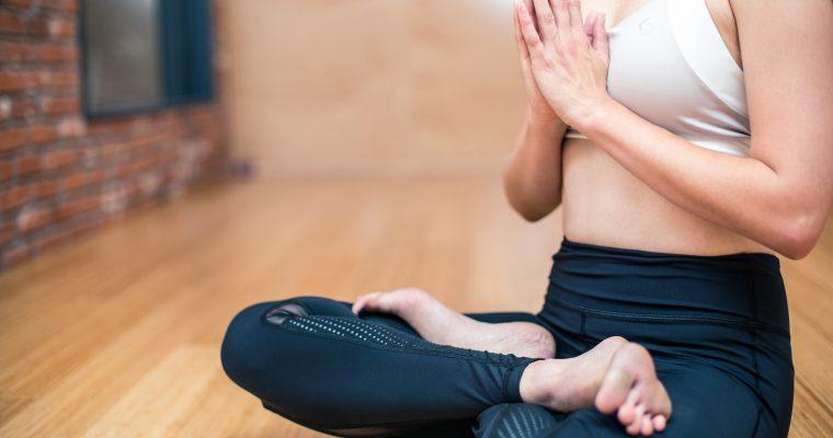 Безопасно ли е да правите йога по време на бременност?